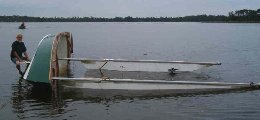 capsize3.JPG.e29db6f8196cb422b5d24637e2d0dee5.JPG