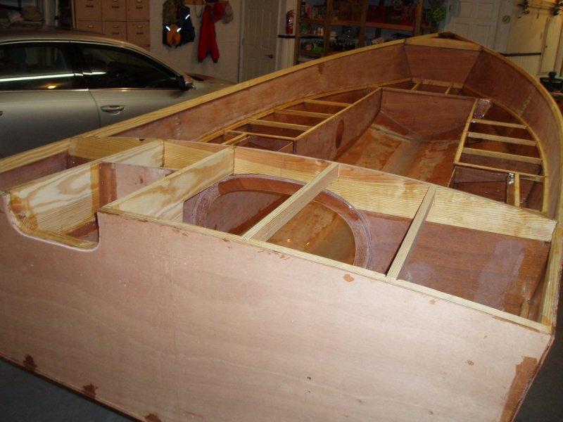 10 framing and motor well (4).JPG